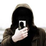 About me, una persona che si fa un selfie